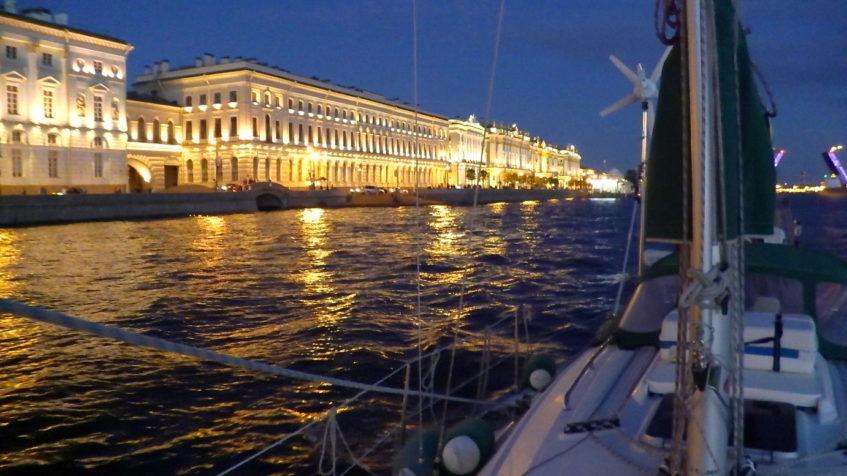 St. Petersburg - Brückendurchfahrt